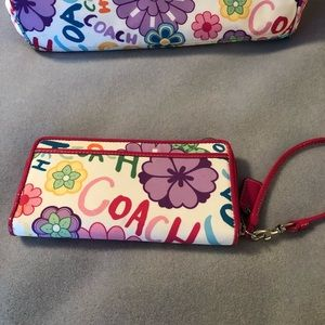 Coach Bags - Coach handbag with wallet